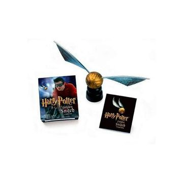 portada Figura Harry Potter Golden Snitch Sticker kit [With Book of Stickers a (libro en Inglés)