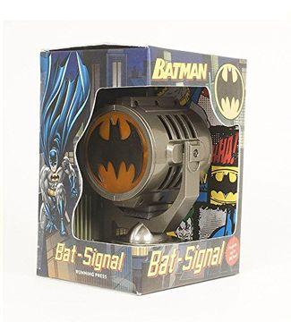 portada Batman: Metal Die-Cast Bat-Signal (libro en Inglés)